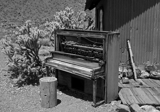 PIANO, NELSON, GHOST TOWN, NEVADA (USA)